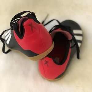 Toddlers adidas indoor soccer shoes size 11.